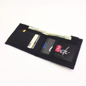 Billetera en lona marca Clinch